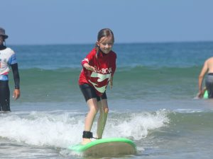 A tout âge, venez prendre votre première vague