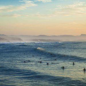 Des cours de surf pour les enfants